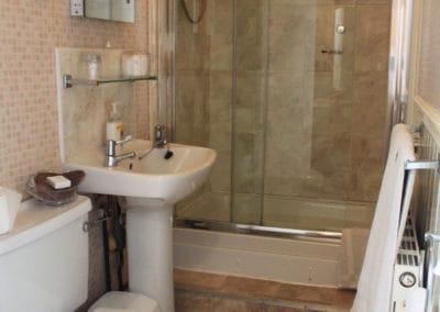 Room3 King-Size Double Bathroom